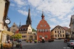 Marktplatz Gau-Algesheim (Photo: Armin J. Kleisinger, AJKnet.de)